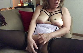 Gaping,handjob,milf,matures,orgasms,webcams,wife