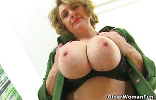 british,cougar,milf,matures,fetish,nylons,pantyhose,striptease,creampie