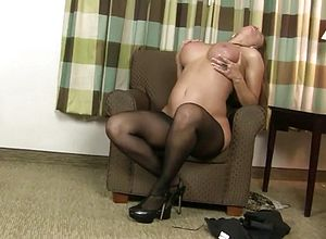 Milf,matures,fetish,nylons